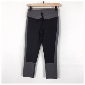 Lucy Gray/Black Drawstring Crop Leggings Size S